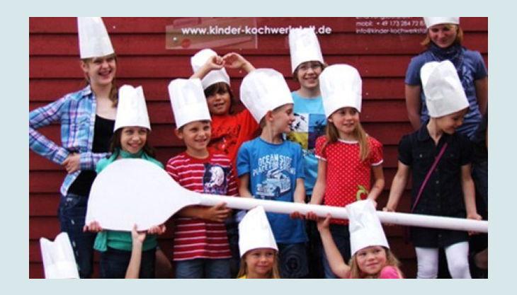 kinder kochwerkstatt kinder mit risen löfel