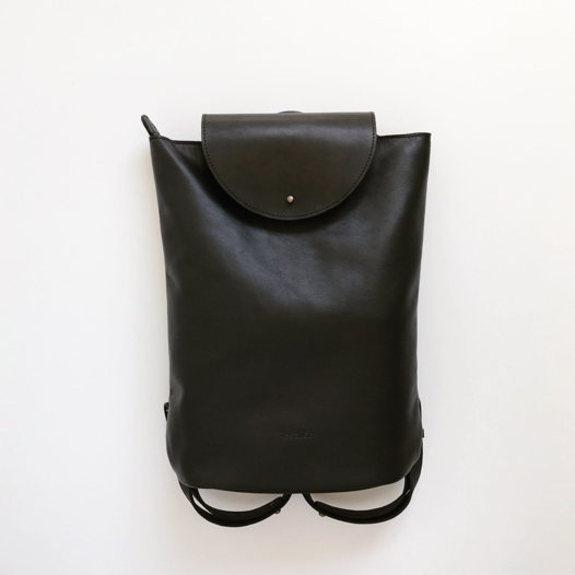 Кожаный рюкзак Flap Pack Black