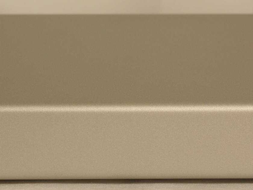 NuForce STA120 Stereo Power Amp. Silver. International Shipping Available.