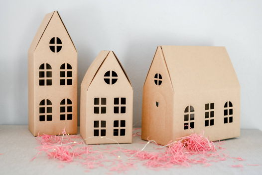Картонный домик для упаковки подарков