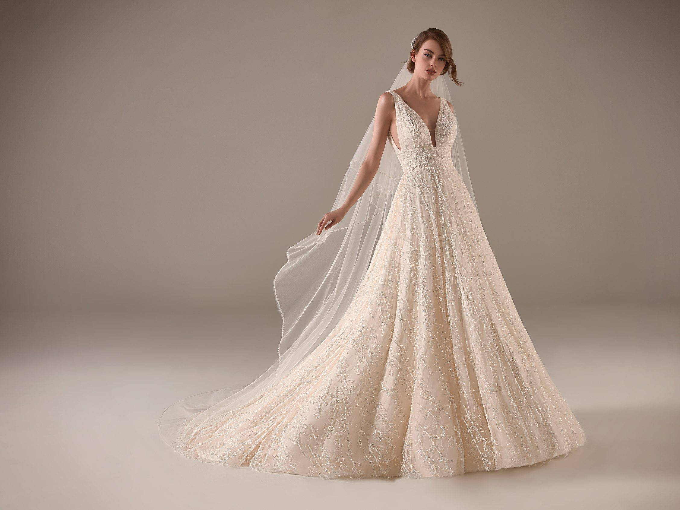 PRONOVIAS NADIA WEDDING DRESS