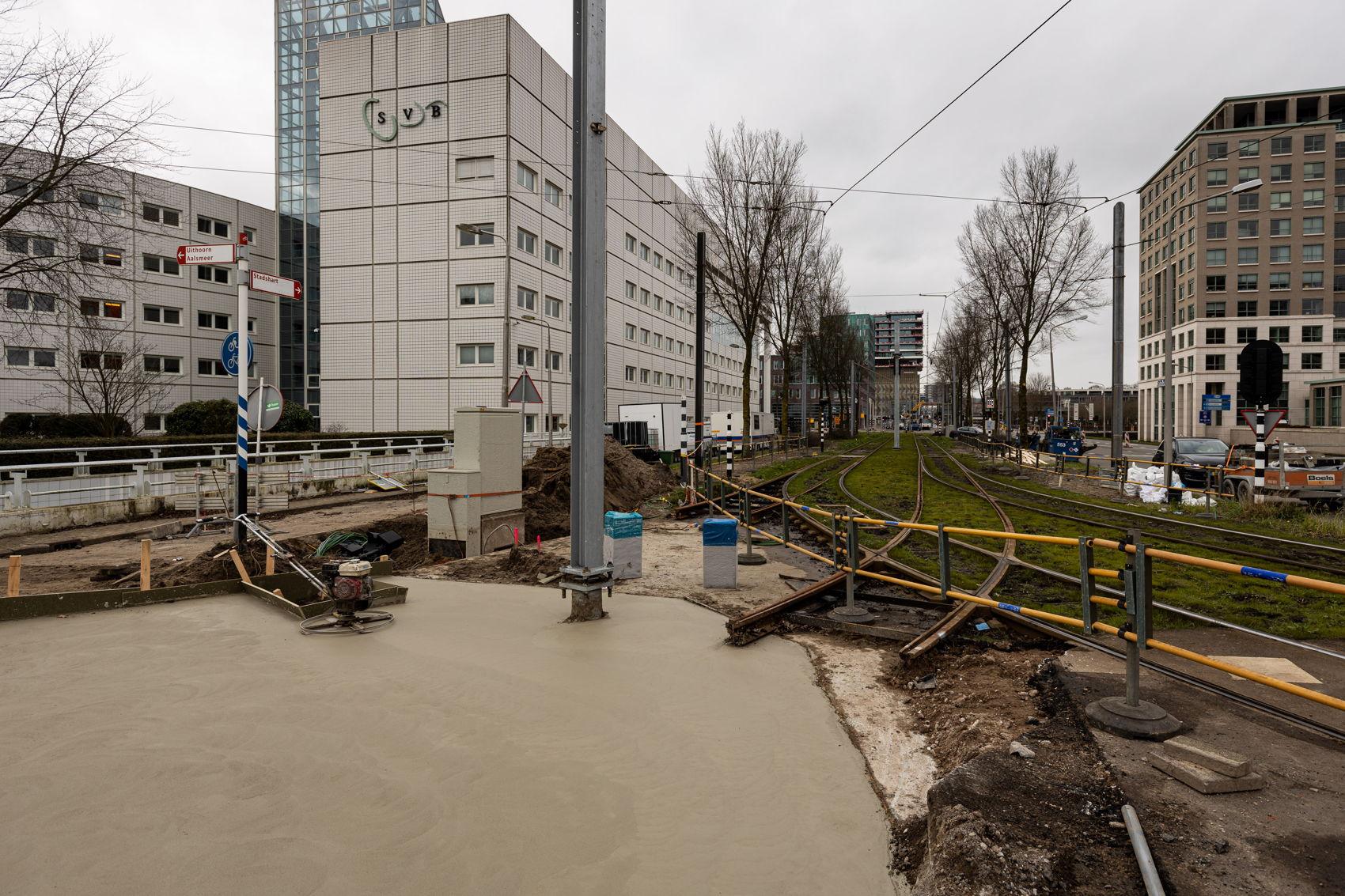 De nieuwe spoorboog richting het zuiden van Amstelveen is voor GVB handig om de dienstregeling van tram 5 makkelijker op te kunnen starten vanaf het nieuwe opstelterrein. Ook kan bij een calamiteit op het noordelijke traject tram 25 tijdelijk rijden tussen Westwijk en Stadshart.
