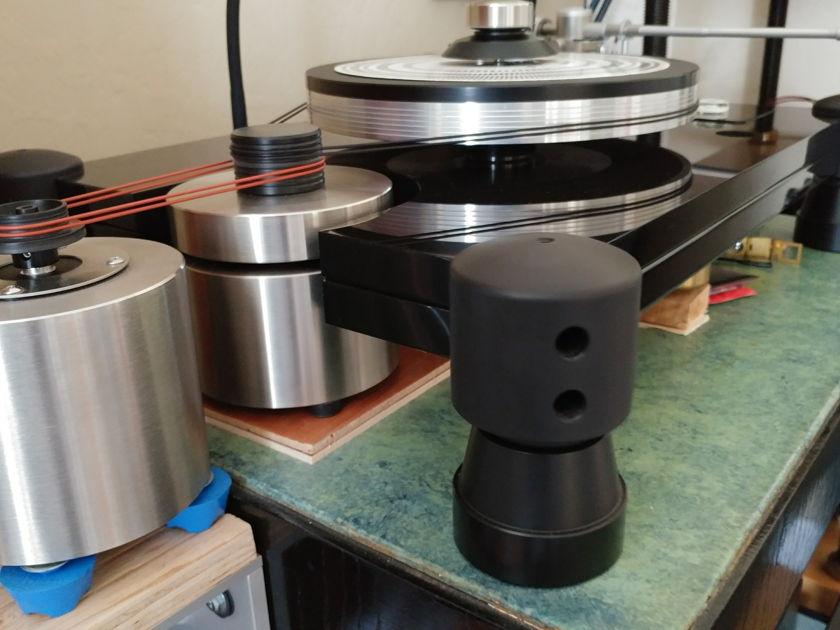 """Upgraded TNT Jr to TNT4 platter, TNT5 bearing, Flywheel, SDS, JMW 12.5 & """"Elephant"""" footers"""