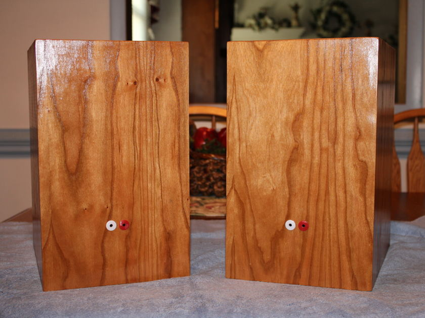 GR Research N2X Monitors Natural Cherry