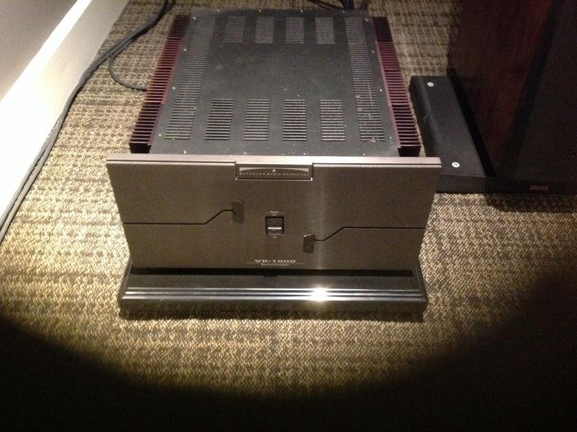 Balanced Audio technology  VK-1000 Mono amps