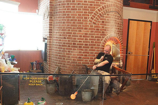 Sandwich Glass Museum – Glassblower