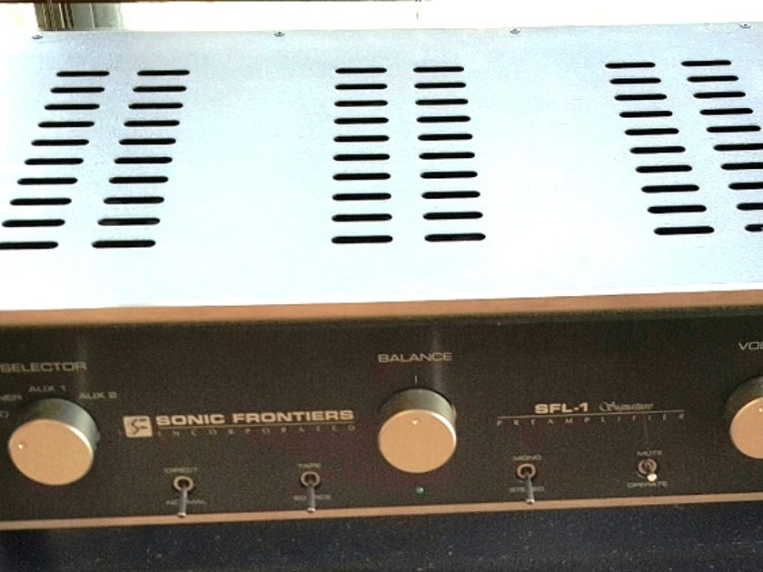 Sonic Frontiers SFL-1 Signature Hybrid linestage preamp