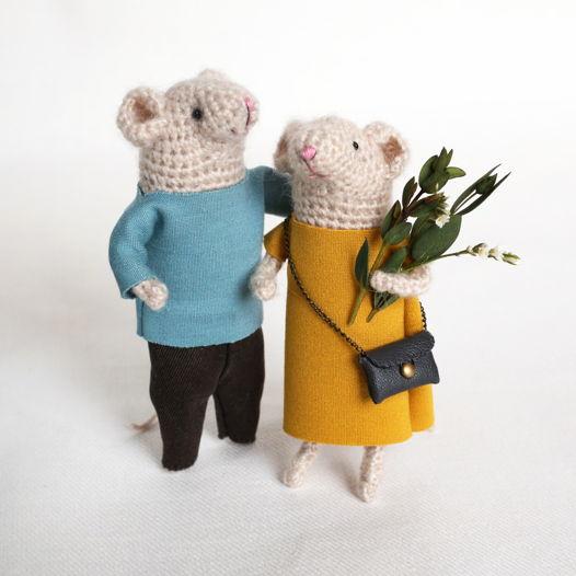 Влюбленная парочка. Вязаные мышки Томас и Мари