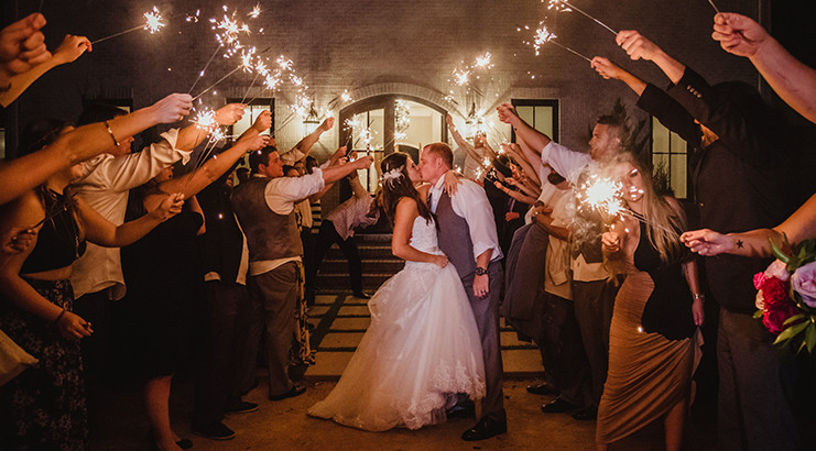 Selecting a Holiday Weekend for Your Wedding