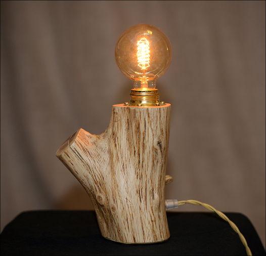 Светильник из ветки дуба