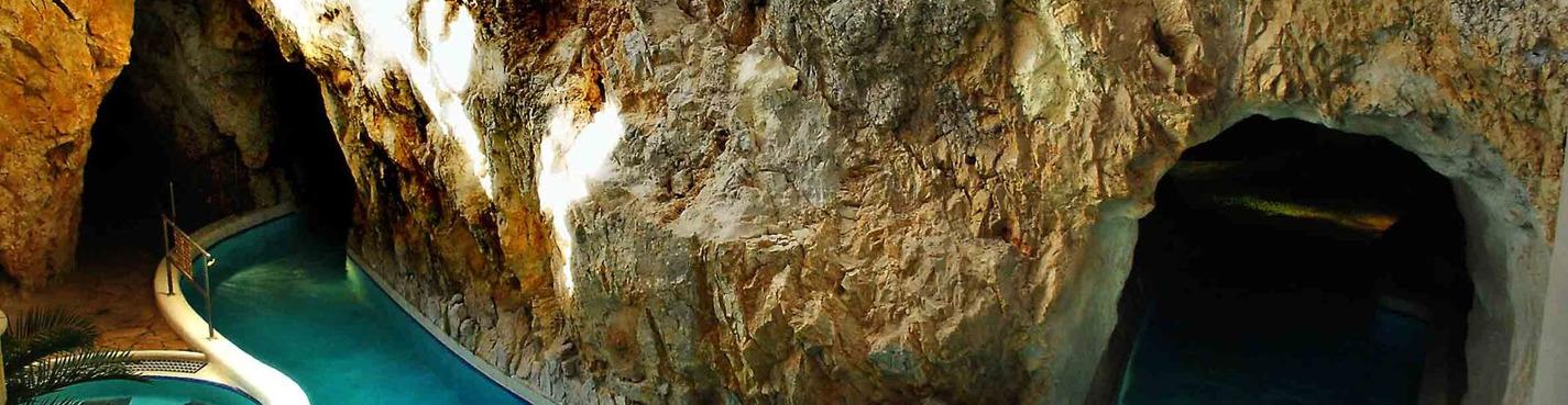Термальные купальни в пещерах
