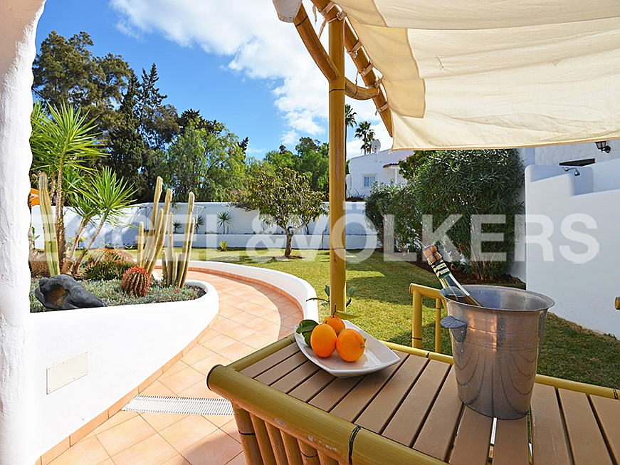 Costa Adeje - Property for sale in Tenerife: Villa in the heart of Playa de Las Americas, Engel & Völkers Costa Adeje