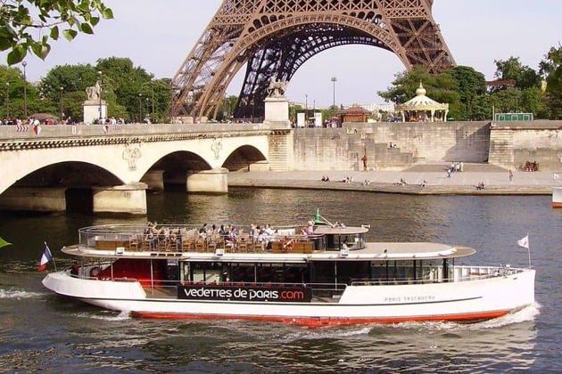 Обзорная экскурсия по Парижу  плюс Круиз по Сене с баром на борту