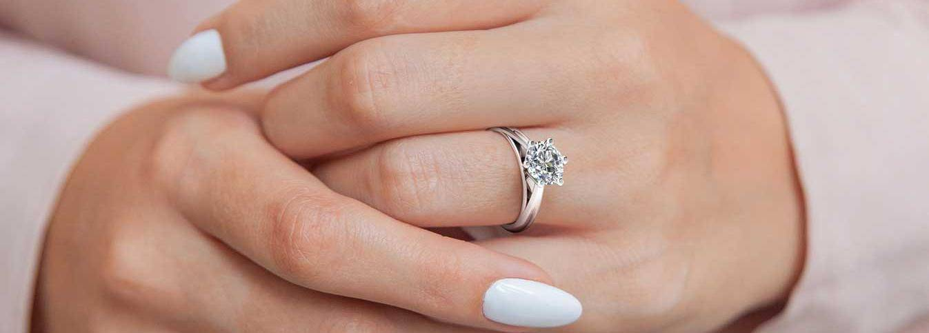 Does Moissanite Lose its Sparkle & Will It Last Over Time?