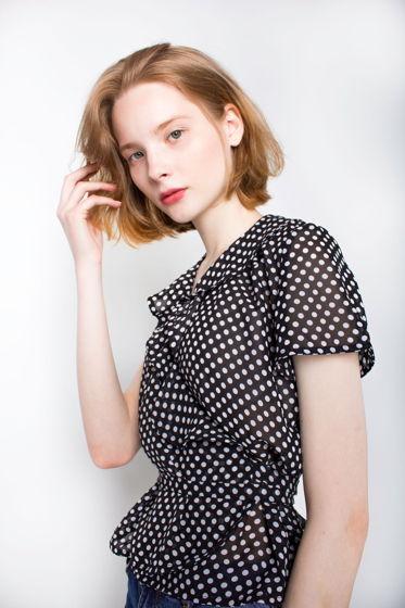 Блуза черная в горошек