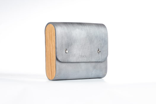 Серебристая сумка на ремне (под заказ)