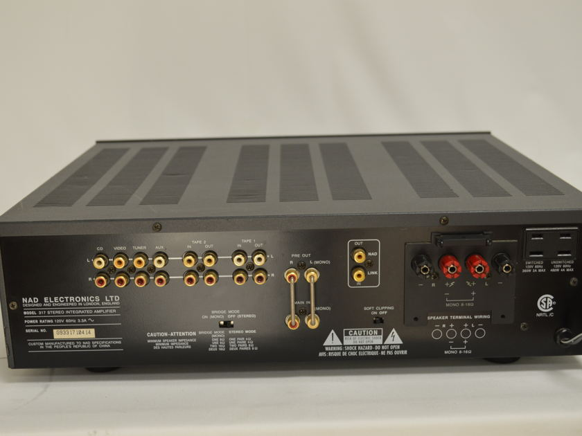 NAD  317 Integrated Amplifier