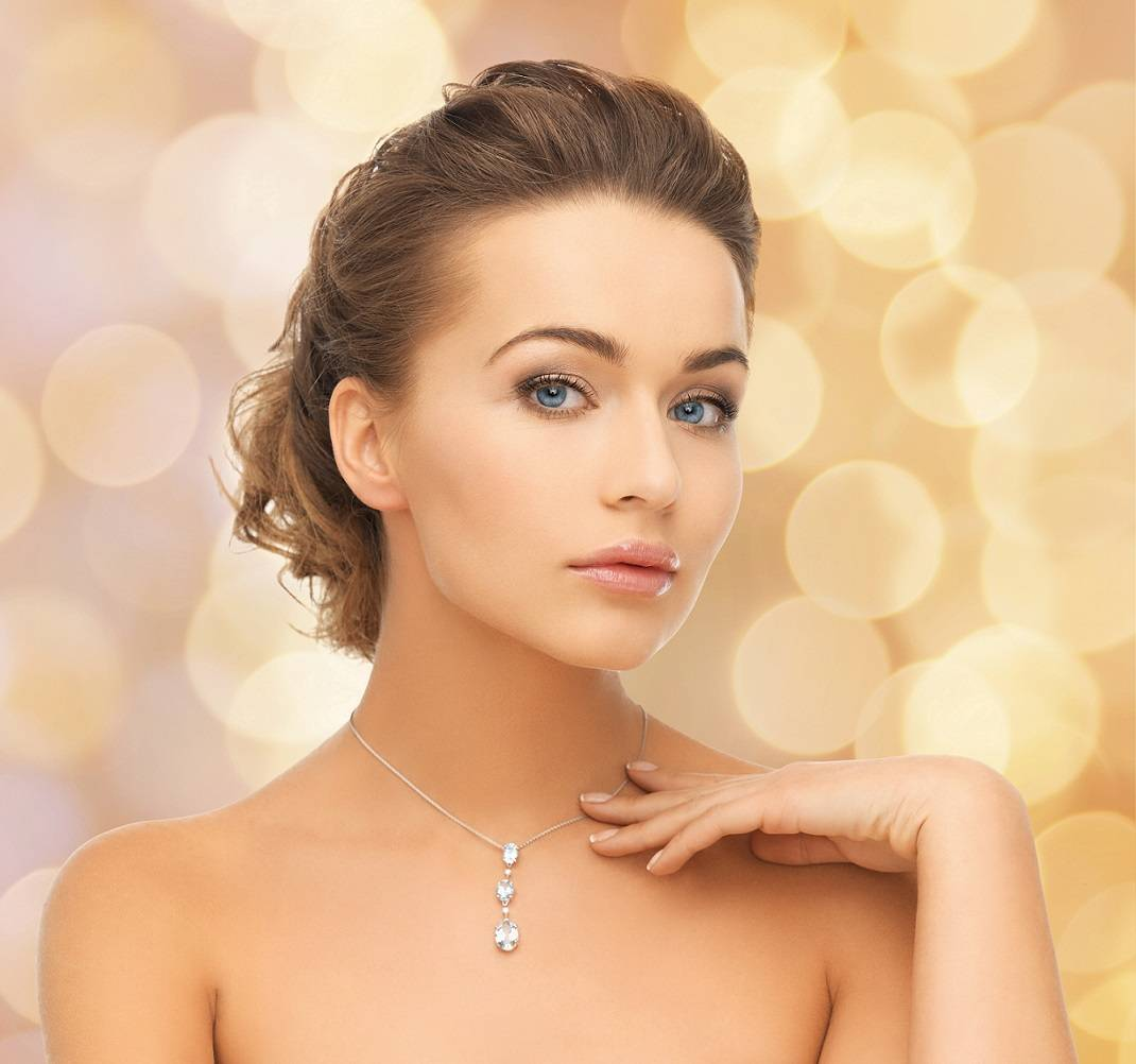Shop ladies diamond pendants and necklaces in gold and platinum from Pobjoy Diamonds
