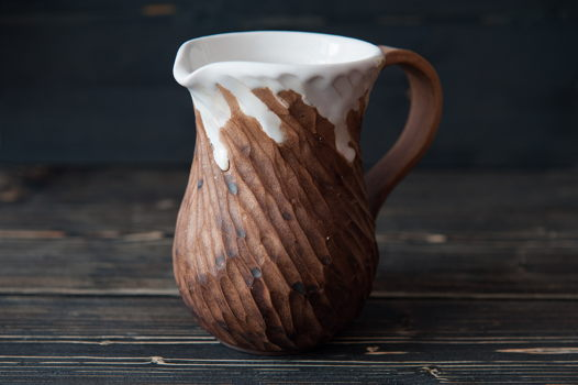 Керамический молочник ручной работы
