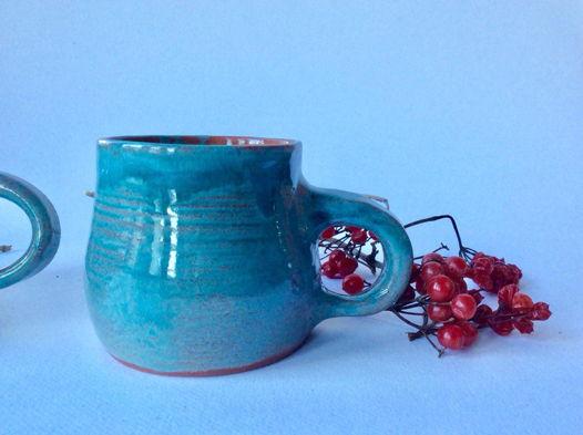 Бирюзовая чашка из красной глины
