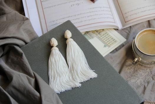 Серьги-кисти с винтажными кабошонами ввиде мужского лица.