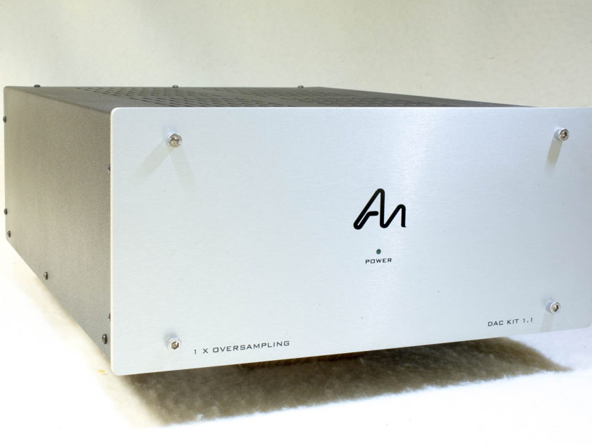 Audio Note DAC 1.1 very nice + very good