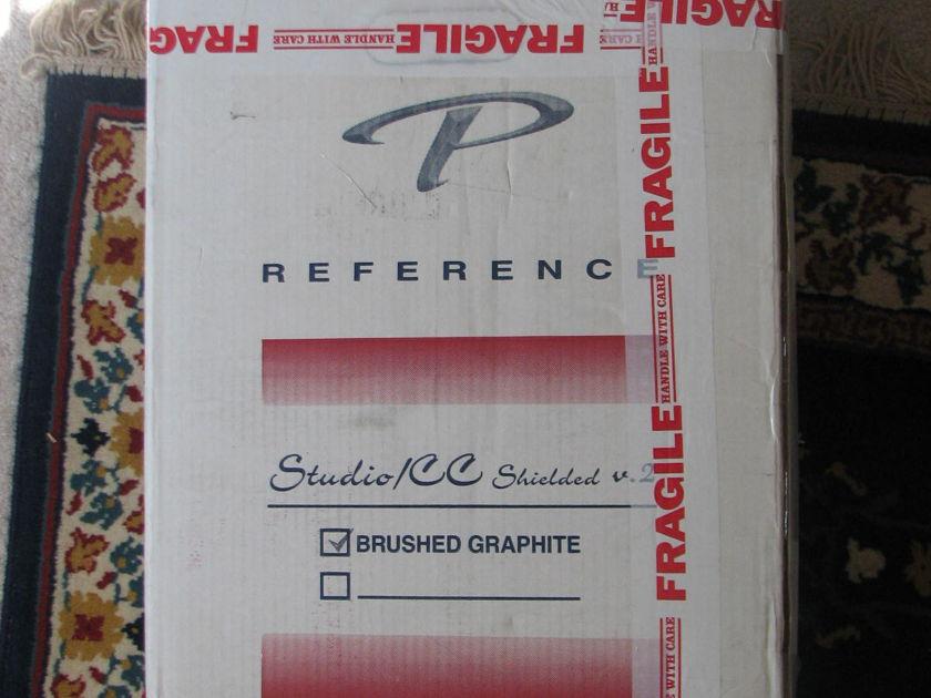 paradigm studio V2 Center Channel Mint condition with box