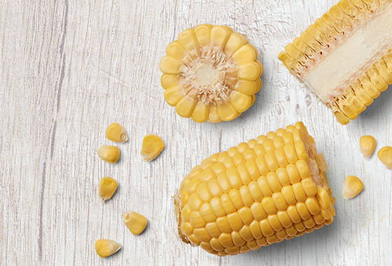 sweet corn with cob