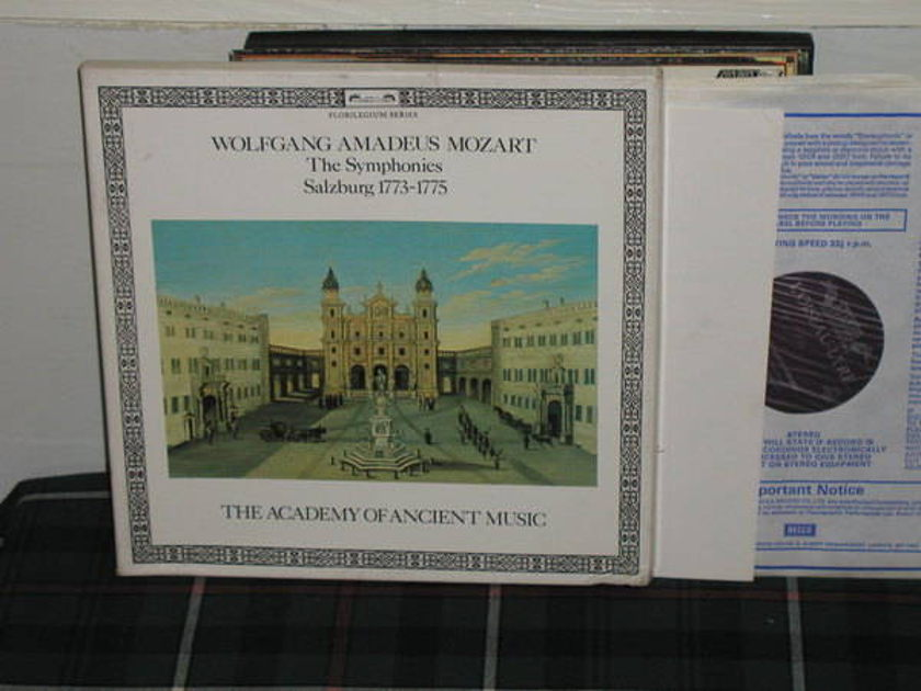 Hogwood/Schroder/AAM - Mozart Salzburg Sym Decca L'Oisieau holland press