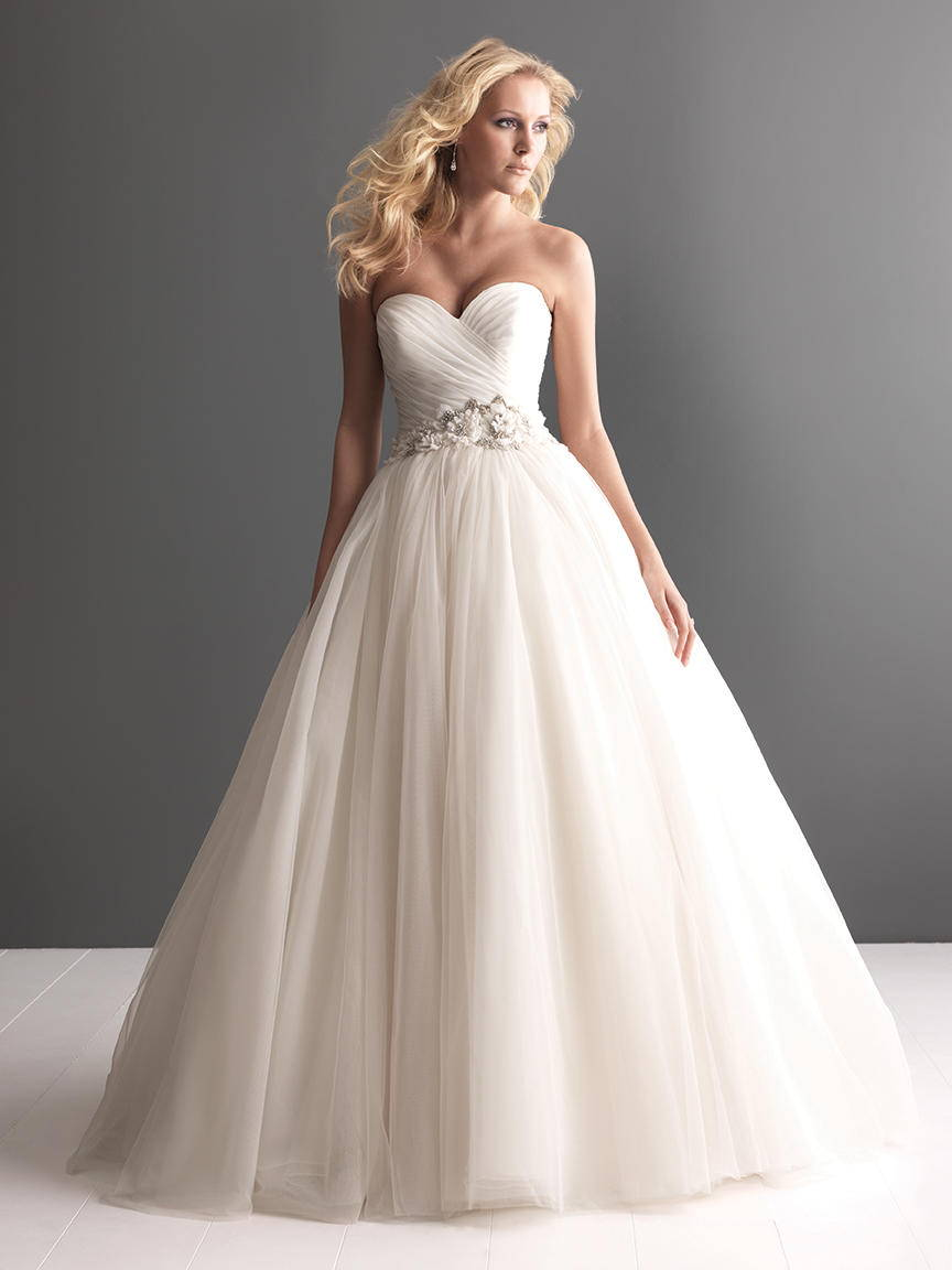 ALLURE  WEDDING DRESS 2607