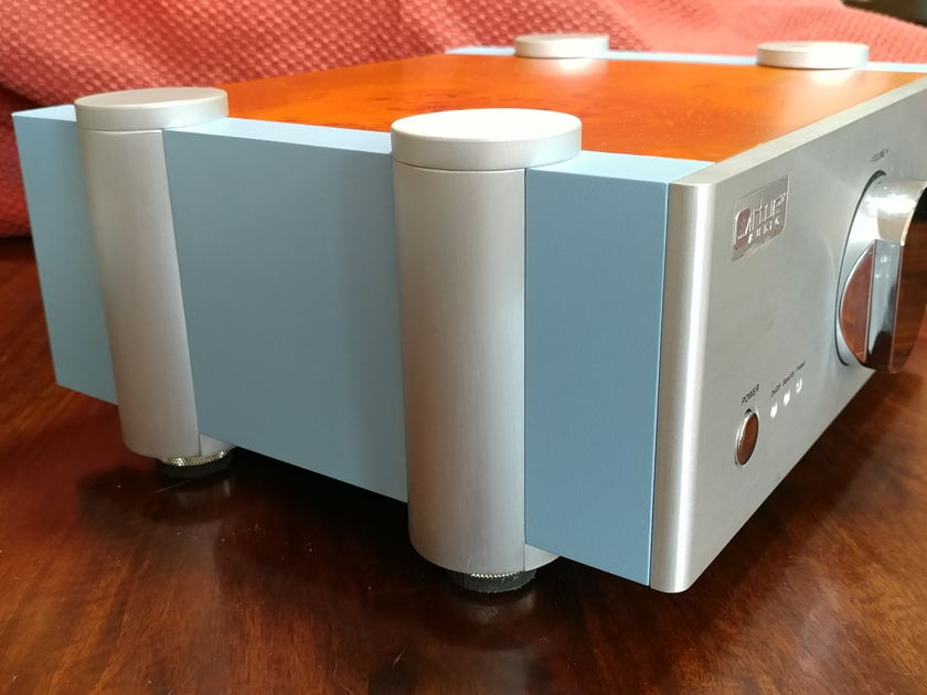 Virtue Audio Sensation M451 Mundorf cap and Nirvana wire Upgrades