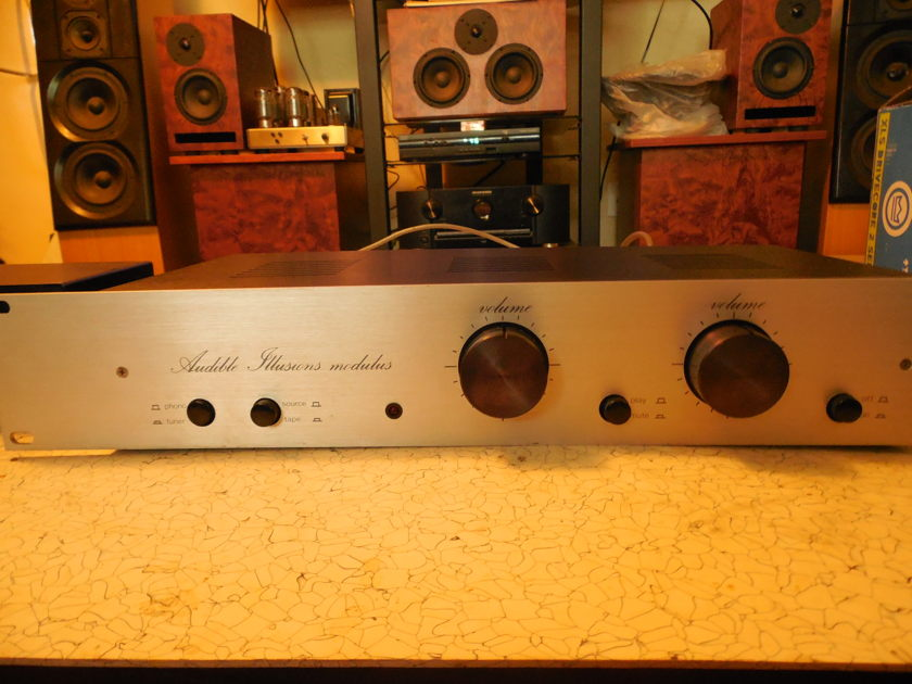 Audible Illusions  MODULUS 1 TUBE Preamplifier w/ PHONO