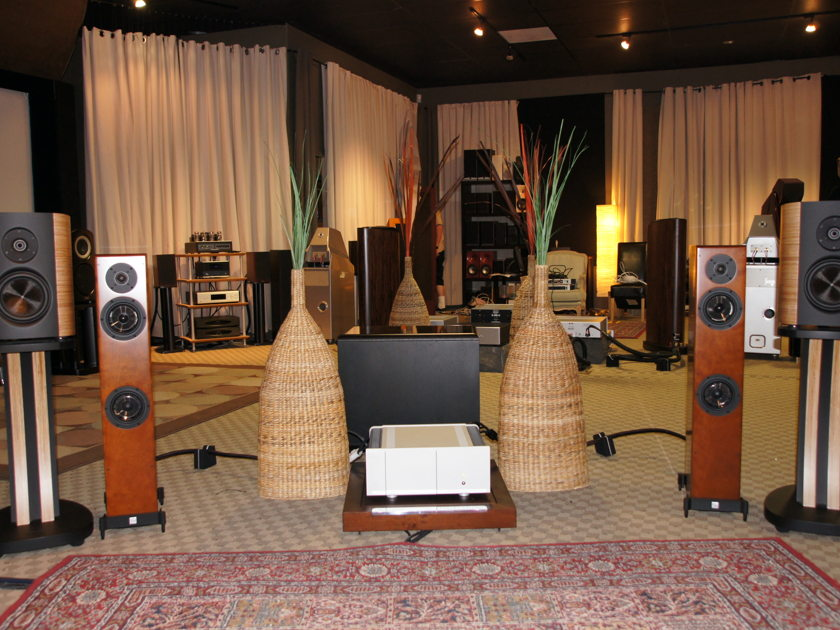 Magico Mini With stands & Crates
