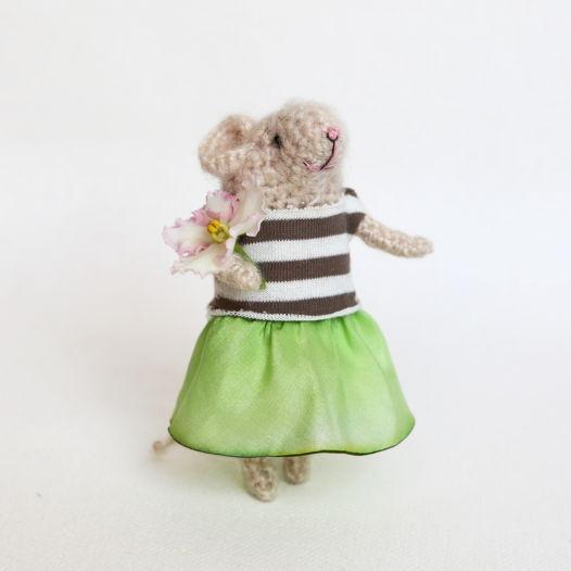 Вязаная мышка Лизи