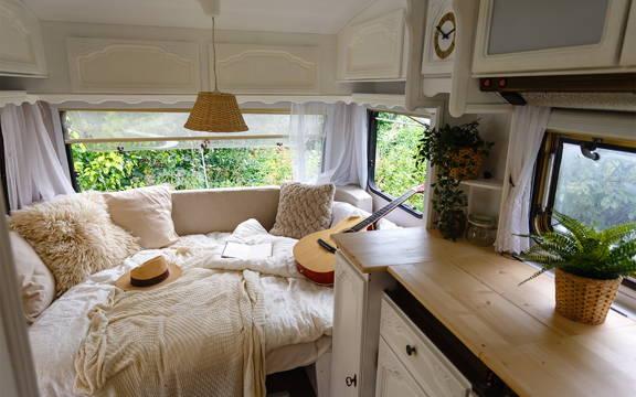 High gloss kitchen cabinet laminates