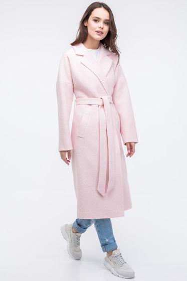 Женское пальто-халат розового цвета