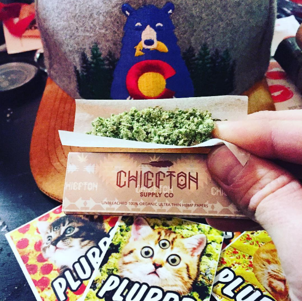 chiefton supply rolling papers and bear snapback