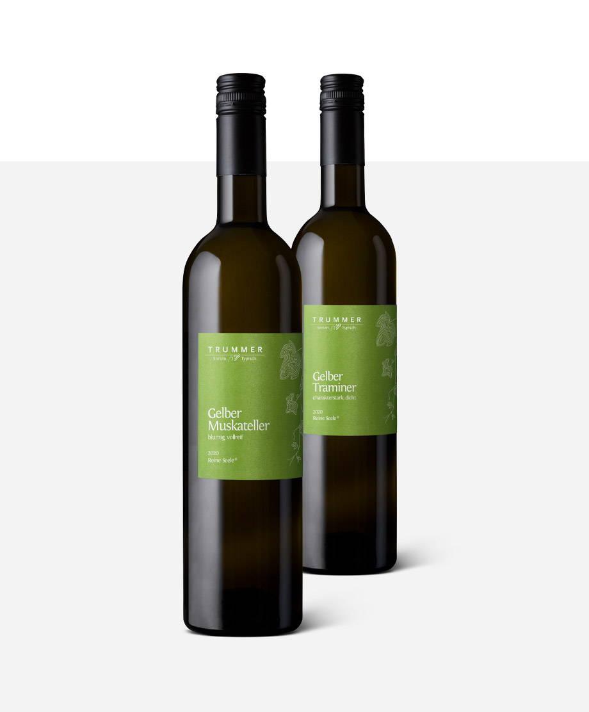 Drei Flaschen Reine Seele-Weine vom Weingut Trummer
