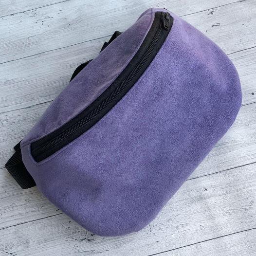 Сумка на пояс из фиолетовой искусственной замши