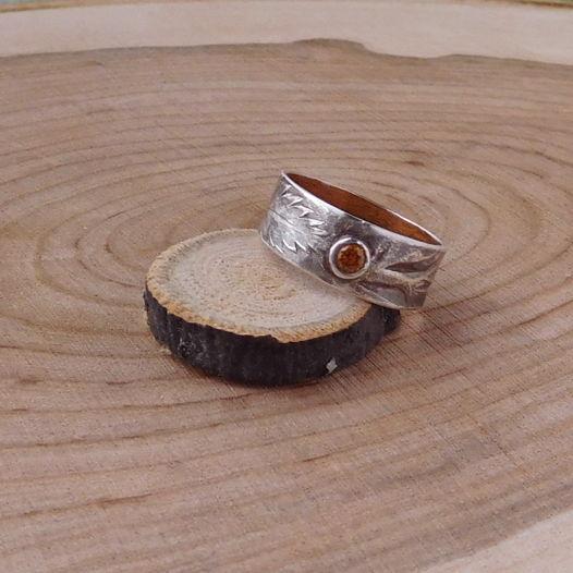 Серебряное кольцо Папоротник с текстурой листа и оранжевым фианитом