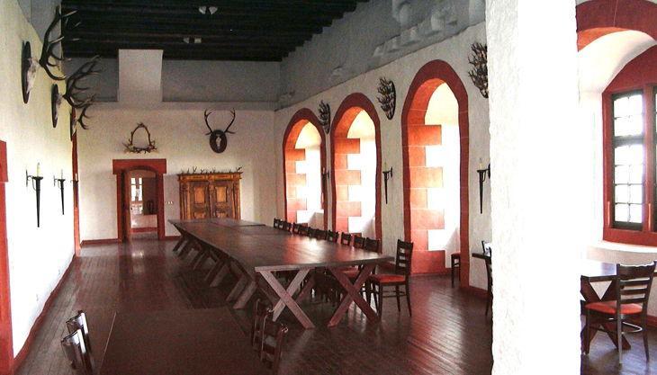 burg ronneburg kemenatensaal