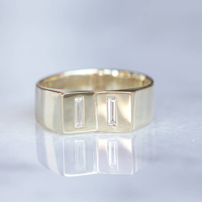 Mens ring gold with baguette diamonds