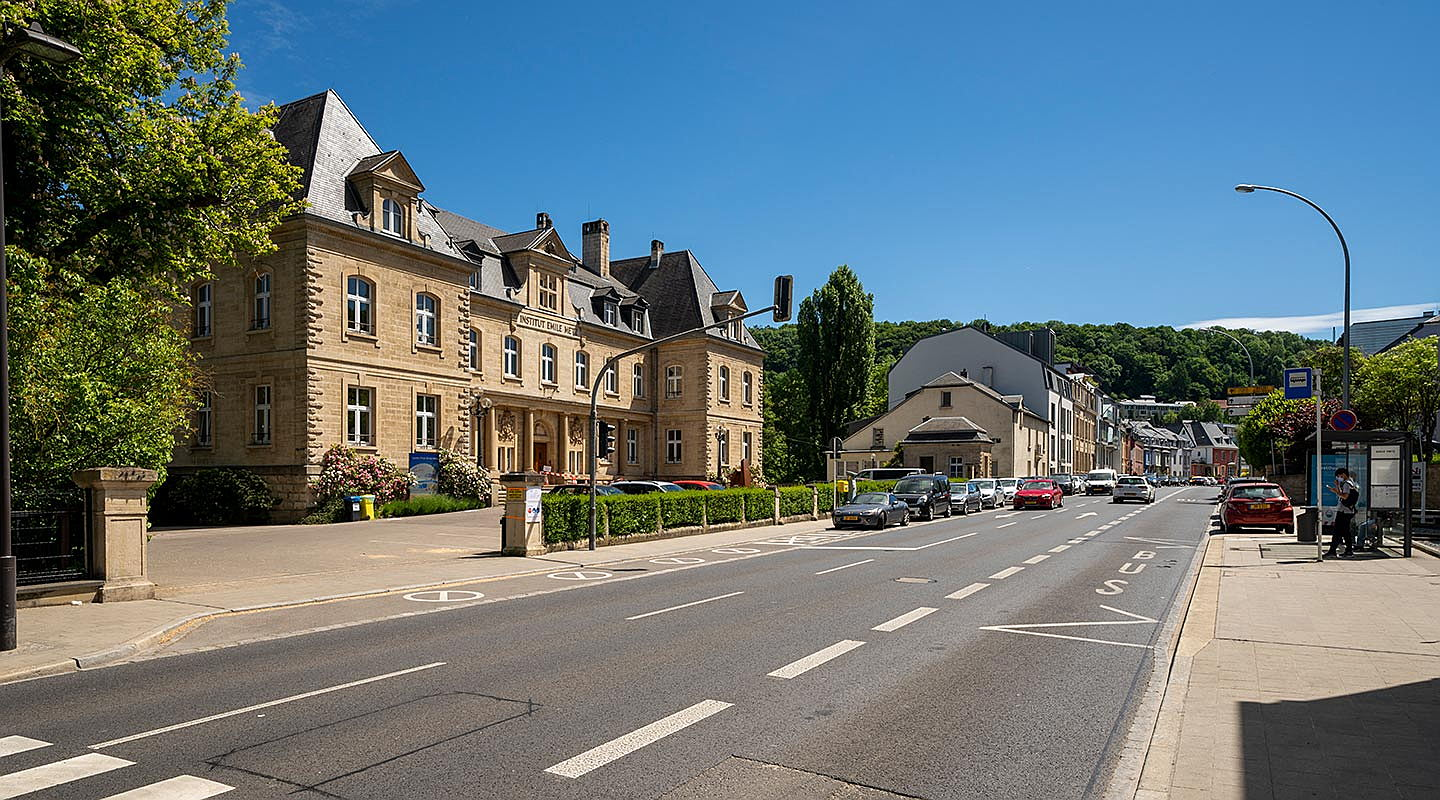 Luxembourg - Whether it is about buying or selling, renting or leasing a property in Beggen: you can contact Engel & Völkers real estate agents with any questions.