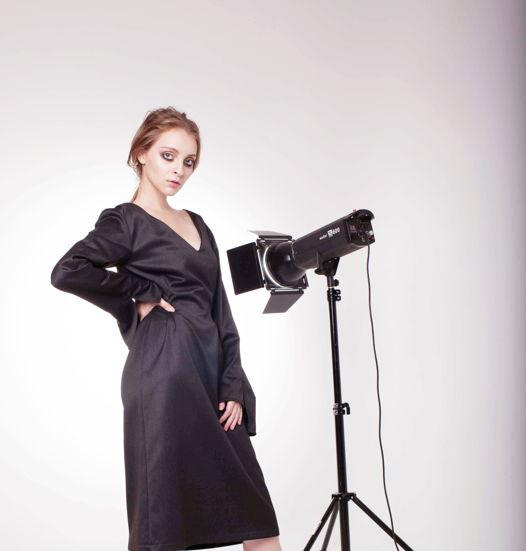 Платье трансформер с необычными рукавами черное