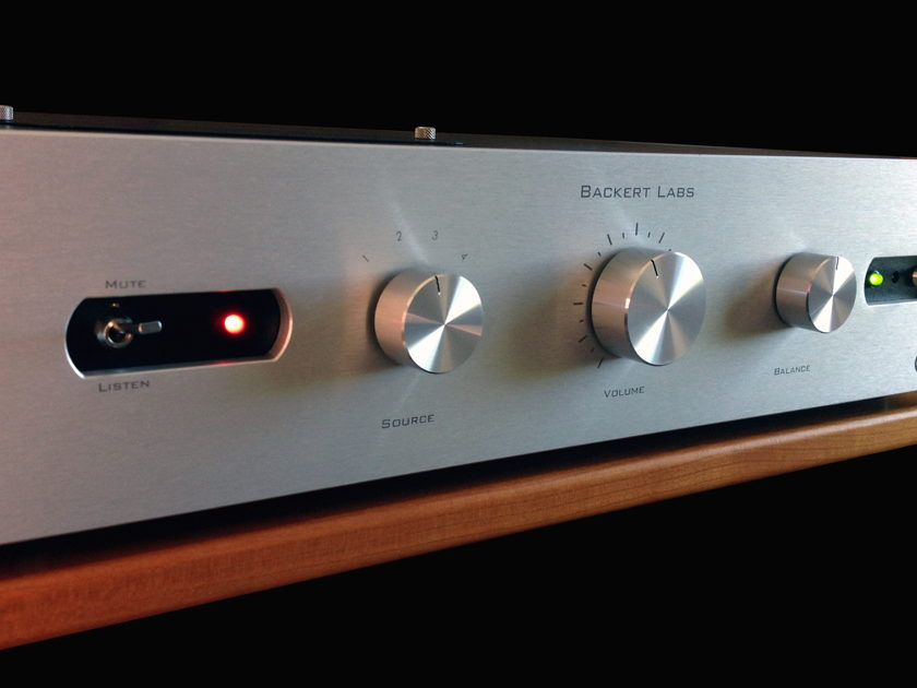 Backert Labs Rhumba 1.1 tube preamp preamplifier