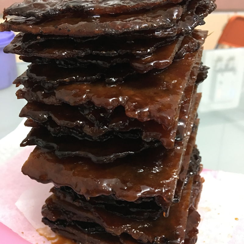 A tower of good looking Bak Kwa. They are juicy, smell great and taste marvellous.    Love it lotssssssss!!!!!!