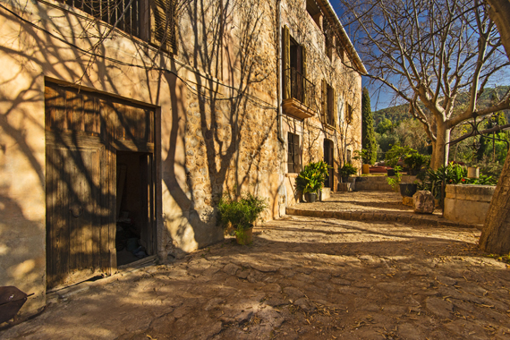 Llucmajor, Mallorca - Authentic Majorcan country estate in Bunyola with oil mill and original design, property for renovation
