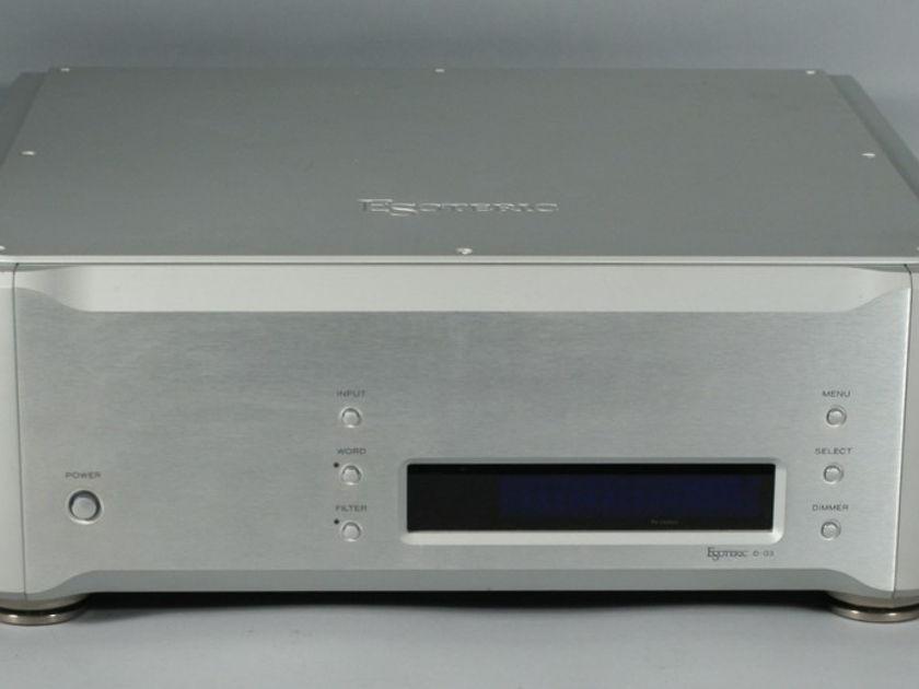 Esoteric D-03 Dual Mono Digital-to-Analogue Converter