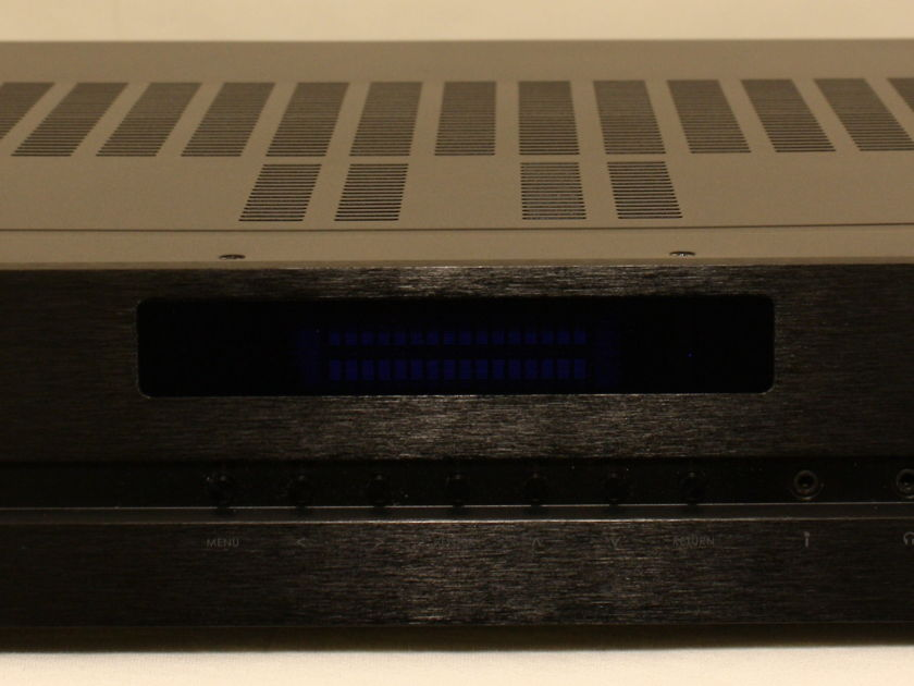Emotiva Fusion 8100 A/V receiver. in Mint Condition. International Shipping Available.
