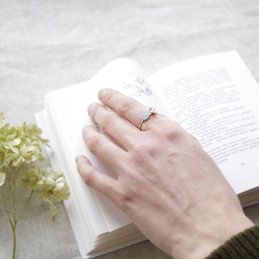 Кольцо с цветком и синим нефритом